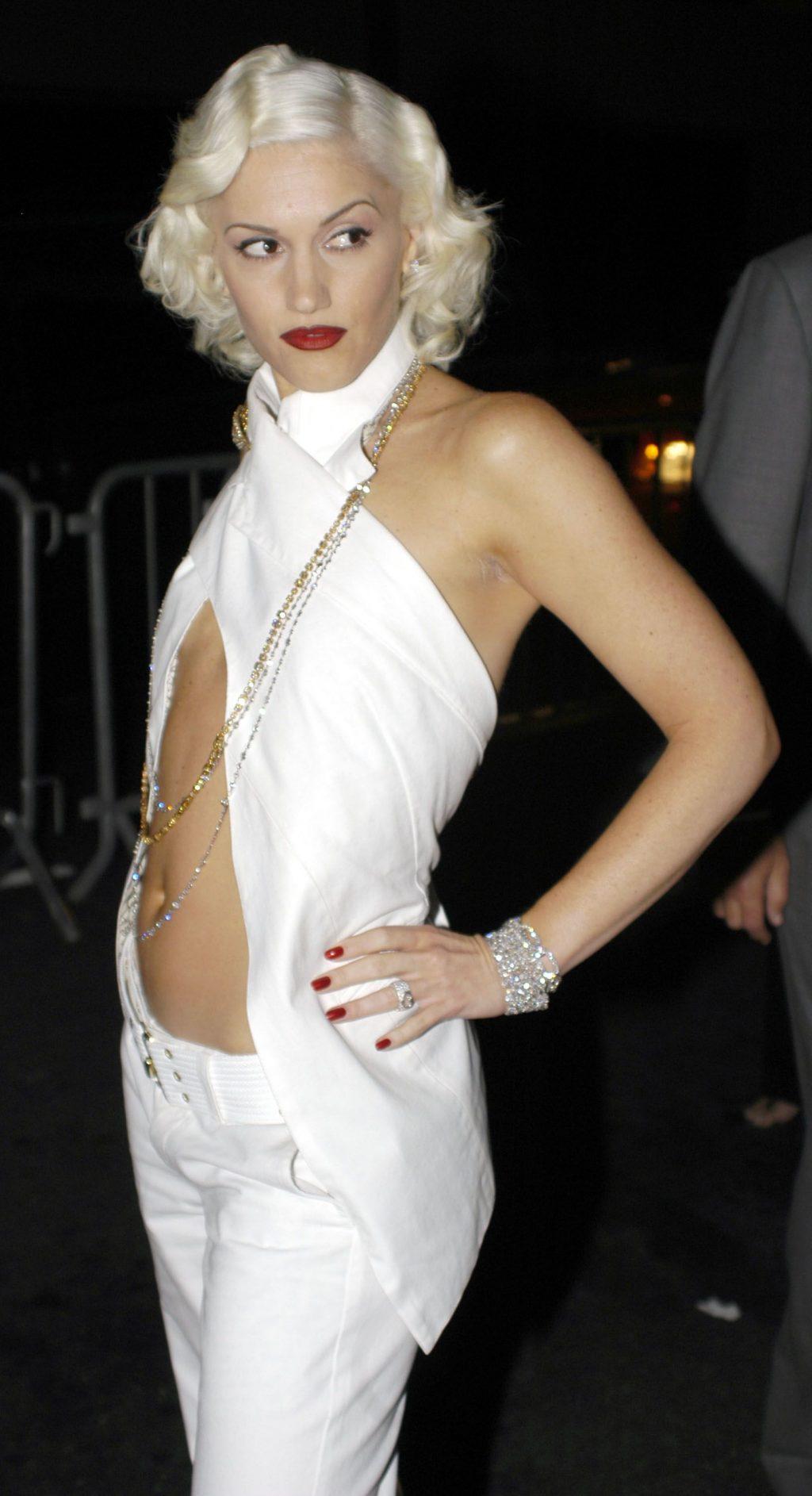 Thời trang thảm đỏ Grammy Gwen Stefani