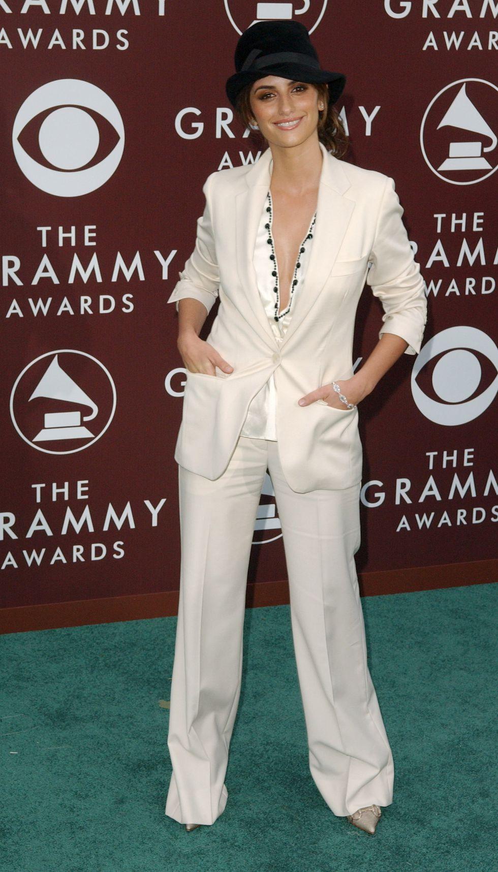 Thời trang thảm đỏ Grammy Penélope Cruz (2005)