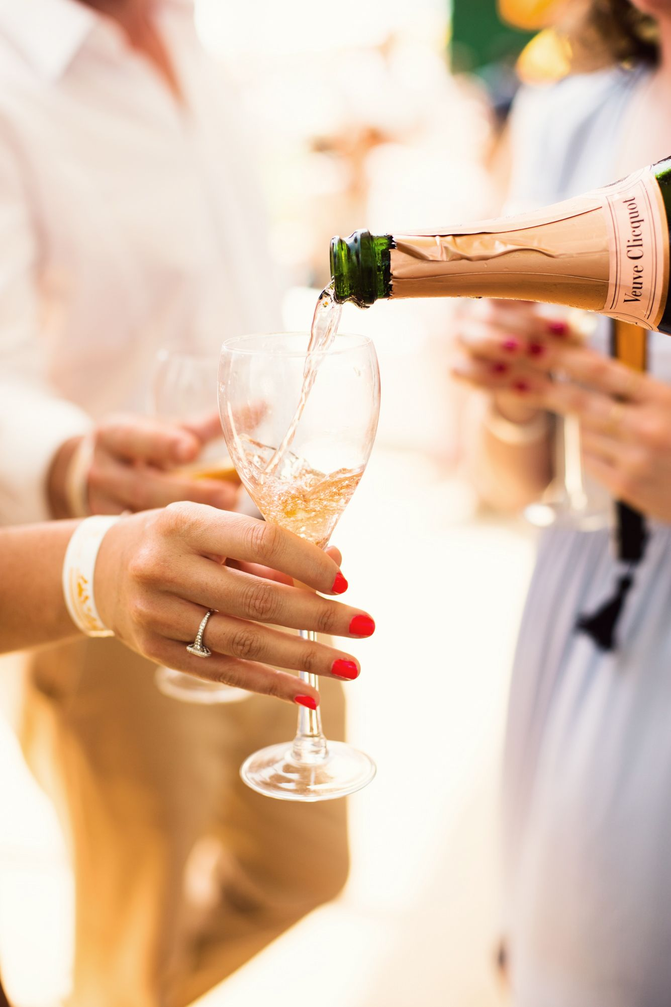 bí quyết giữ dáng đẹp dù uống rượu