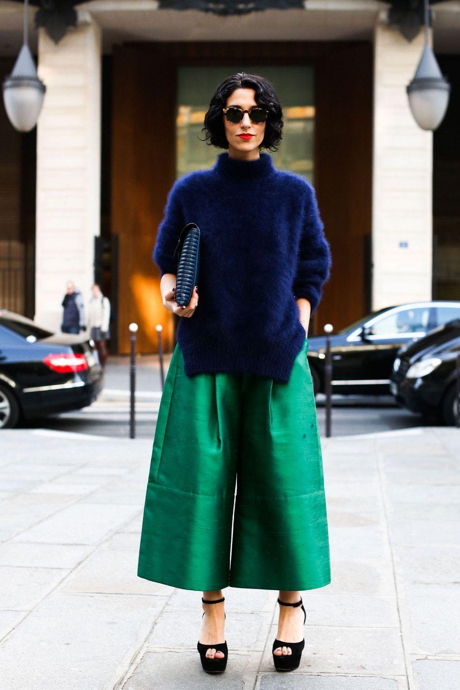 cách phối màu trang phục xanh navy và xanh lục