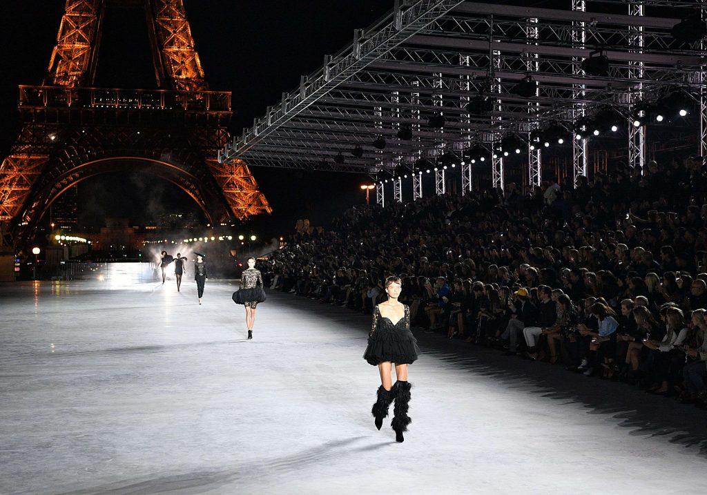 Điểm tin thời trang: Dòng giày thiết kế của Katy Perry gây tranh cãi vì phân biệt chủng tộc 12
