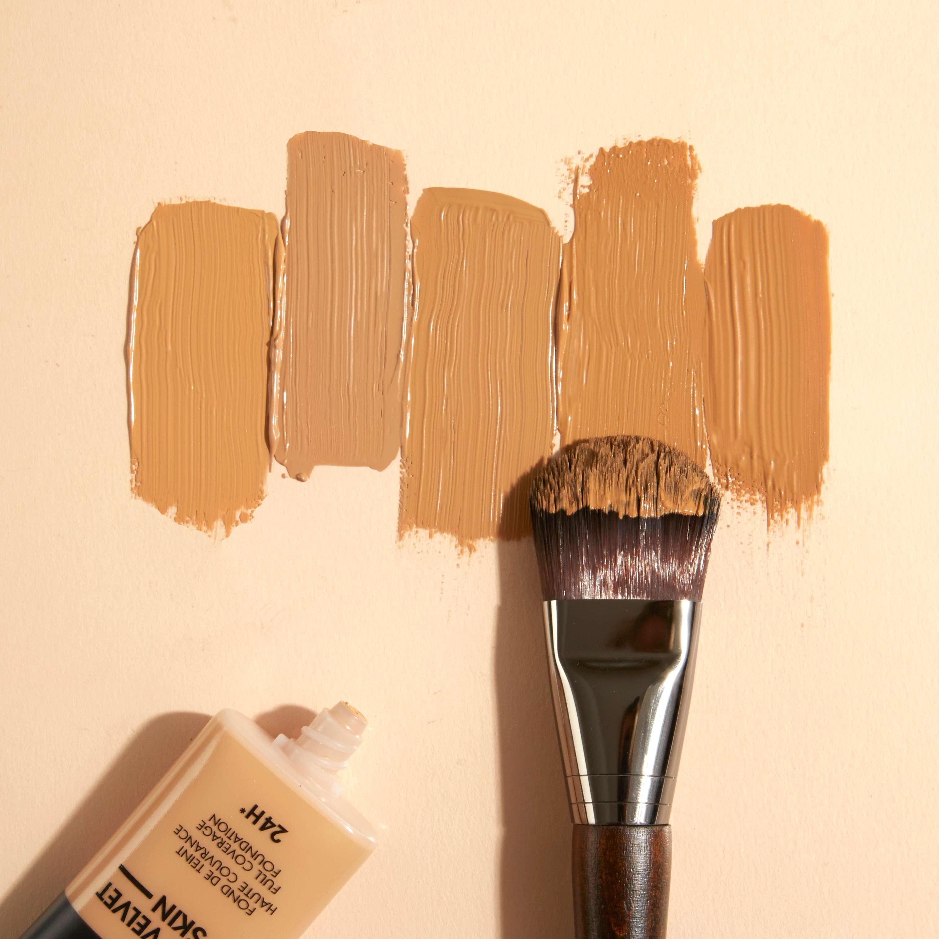 Matte Velvet Skin Foundation 5