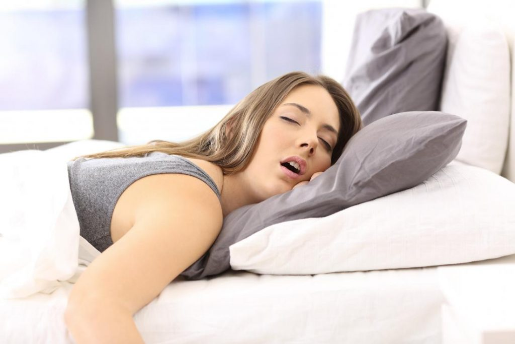 ngủ nghiêng bên trái 004