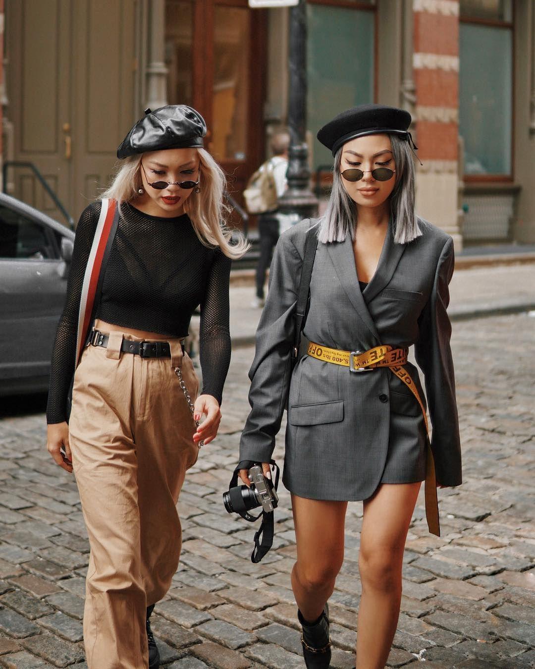 cách phối đồ ăn ý với bạn thân - hai cô gái cùng diện mũ beret và baker boy