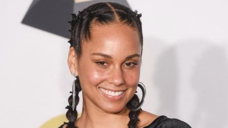 Truy tìm bí quyết giúp Alicia Keys tự tin để mặt mộc làm host Grammy 2019