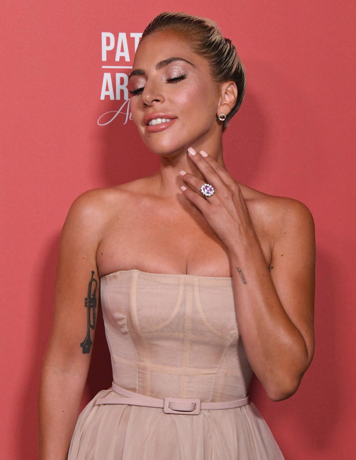 nhẫn đính hôn của nữ ca sĩ Katy Perry 7