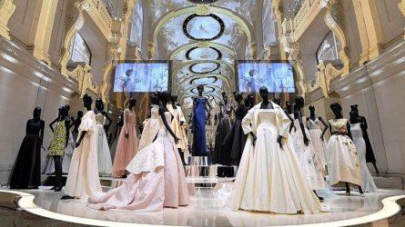Điểm tin thời trang: Triển lãm lớn nhất về Christian Dior, Olivia Palermo thiết kế cho thương hiệu Karl Lagerfeld