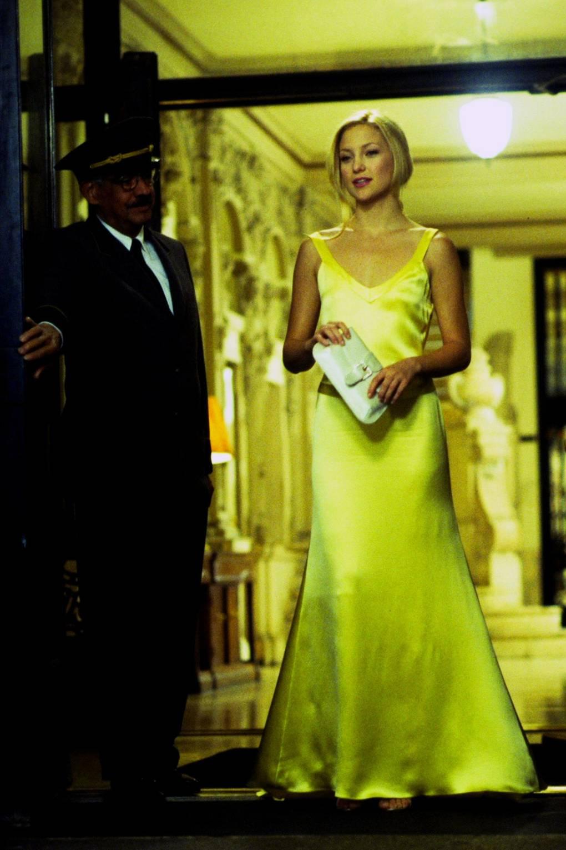 ý nghĩa trang phục màu vàng 3