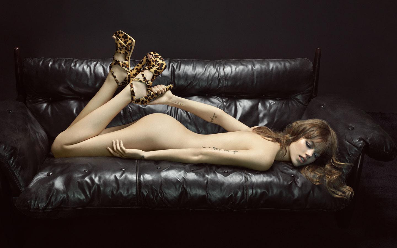 Siêu mẫu người Đan Mạch nổi tiếng với phong cách tomboy là một trong những nàng Thơ nổi tiếng của Karl Lagerfeld