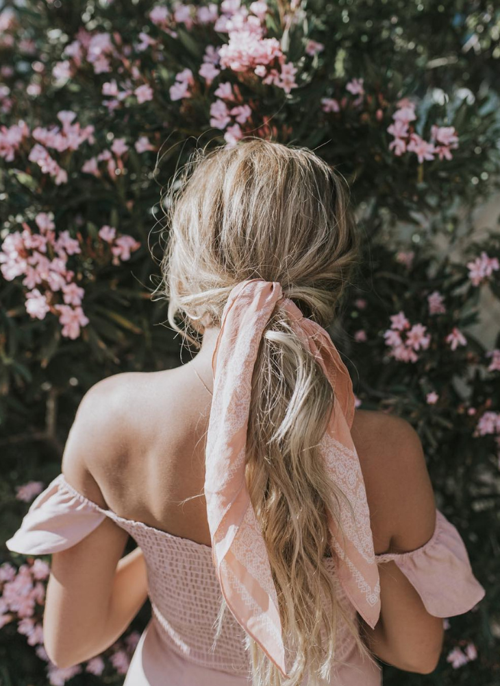 Nước hoa dành cho tóc: vũ khí bí mật phảng phất hương nhớ thương