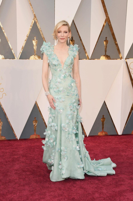 Bí mật đằng sau những bộ cánh lộng lẫy trên thảm đỏ Oscar 19