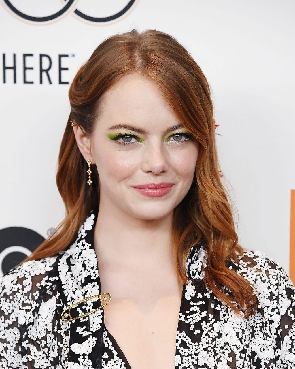 trang điểm mắt ấn tượng Emma Stone
