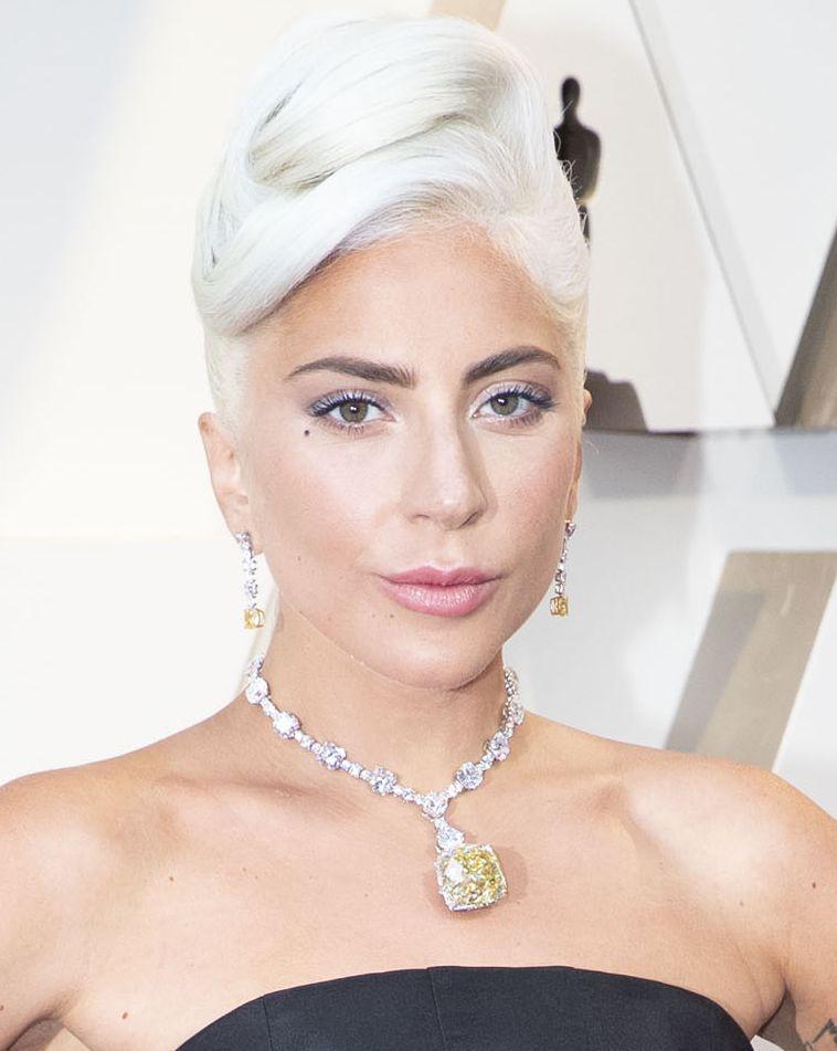 02 phong cách trang điểm và làm tóc Oscars 2019