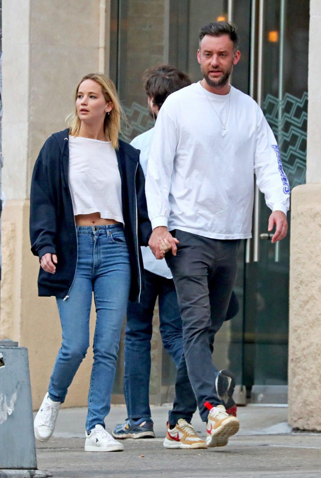 """Lộ diện chiếc nhẫn đính hôn """"khủng"""" của nữ diễn viên Jennifer Lawrence 10"""