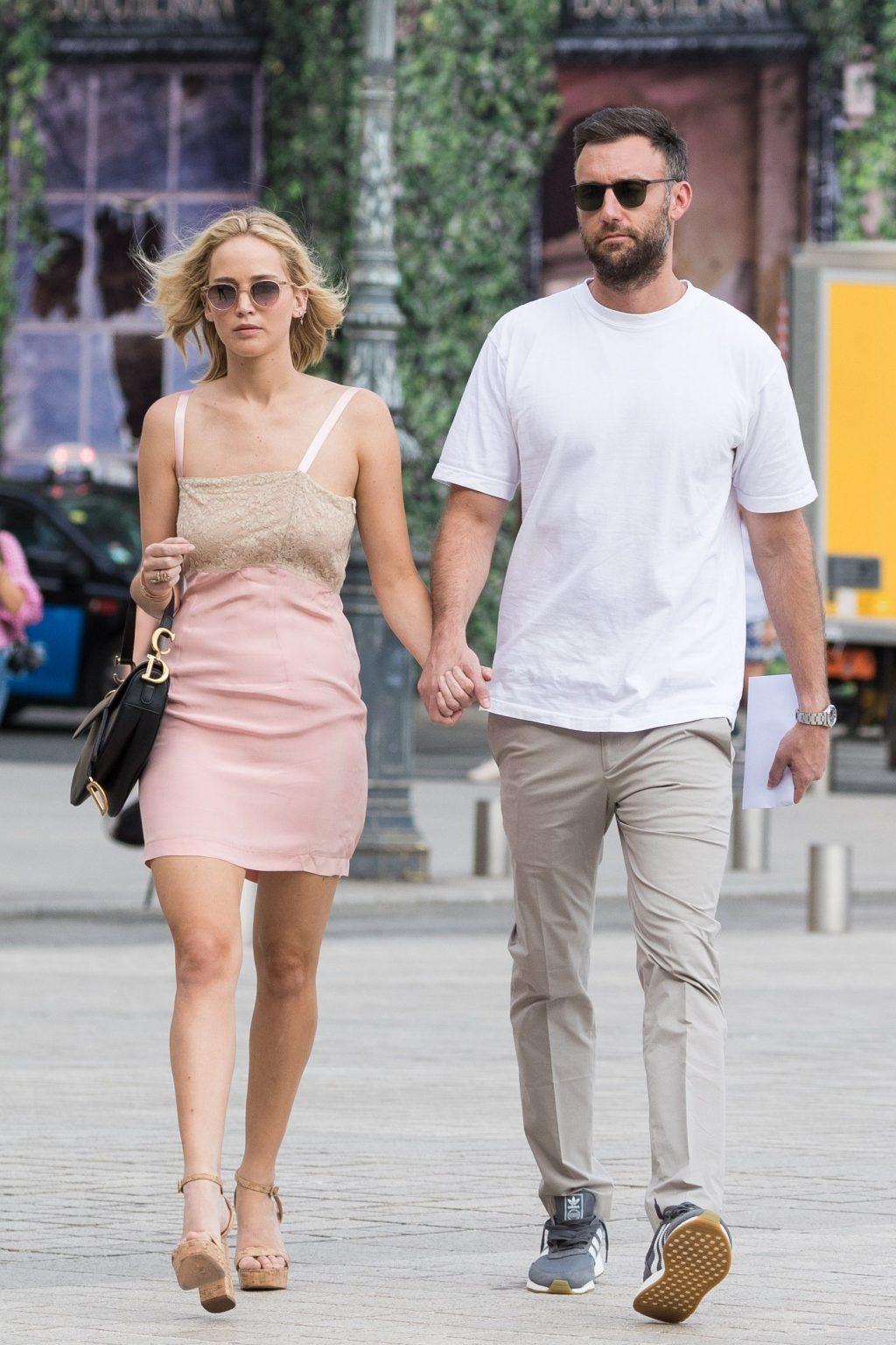 """Lộ diện chiếc nhẫn đính hôn """"khủng"""" của nữ diễn viên Jennifer Lawrence 4"""