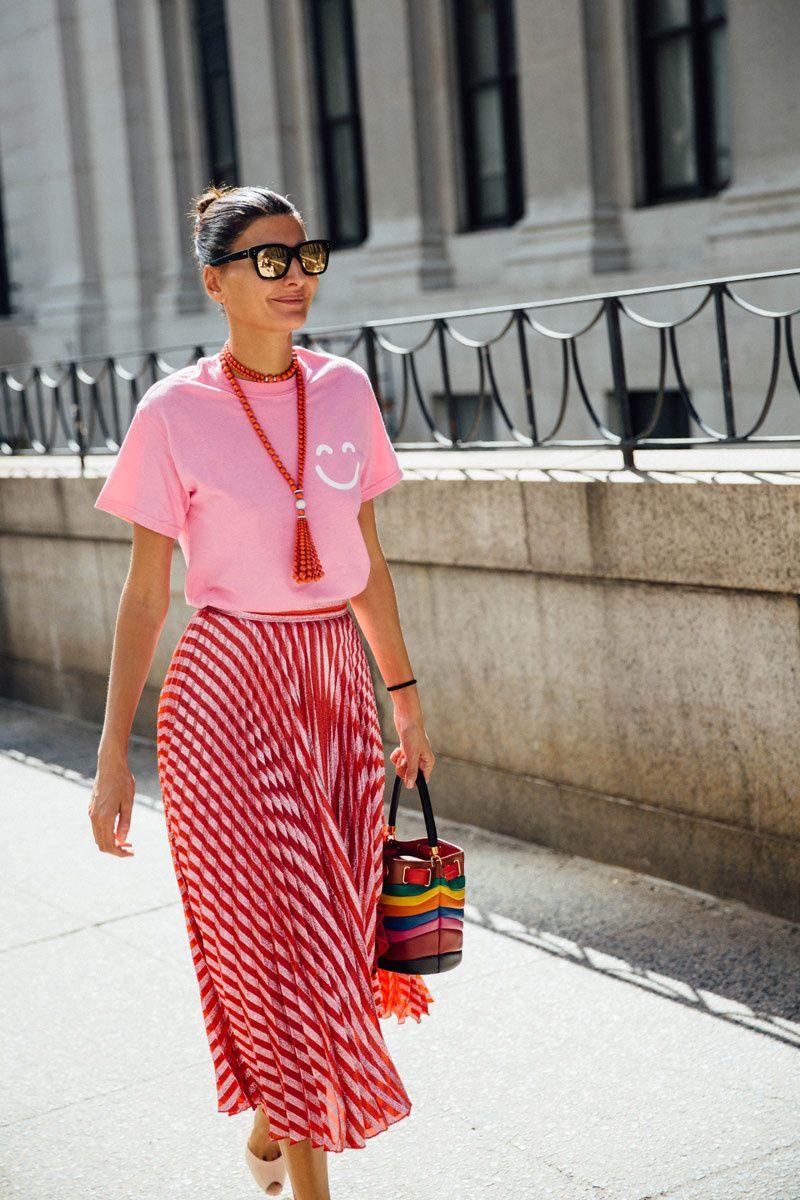 cách phối màu quần áo đỏ và hồng