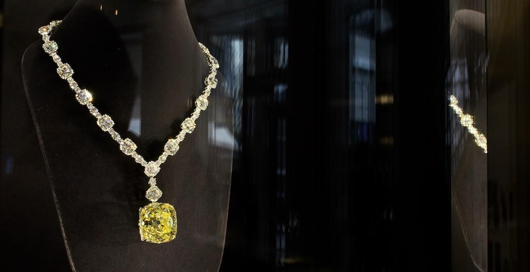 phụ kiện vòng cổ kim cương đắt giá của nữ ca sĩ Lady Gaga 9