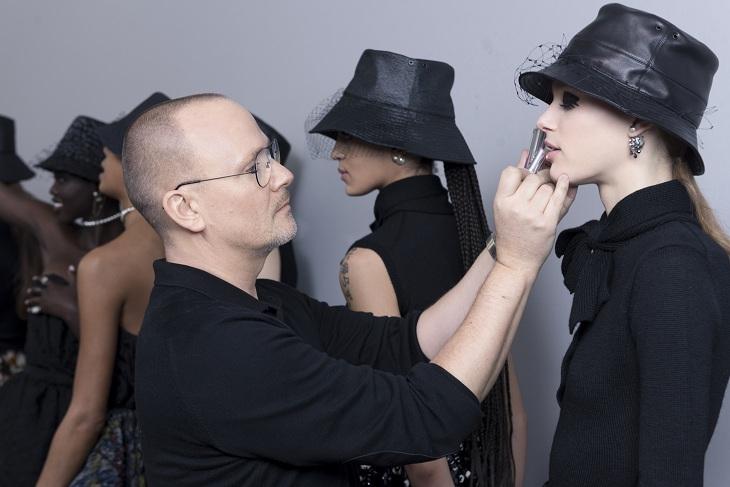 phong cách trang điểm Dior 01