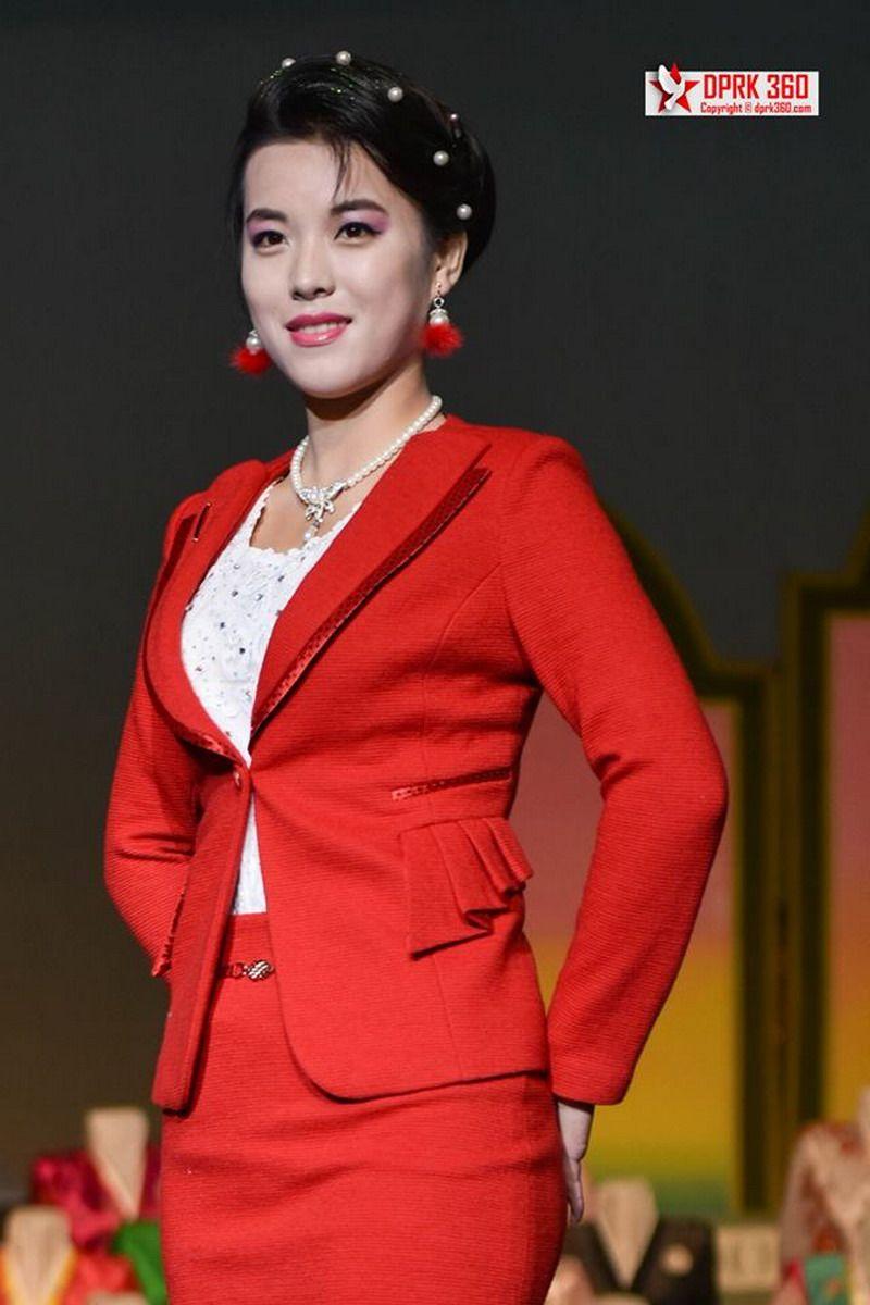 buổi trình diễn thời trang của phụ nữ Triều Tiên 7