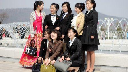 Phong cách thời trang ở thủ đô Bình Nhưỡng đang được cách tân như thế nào?