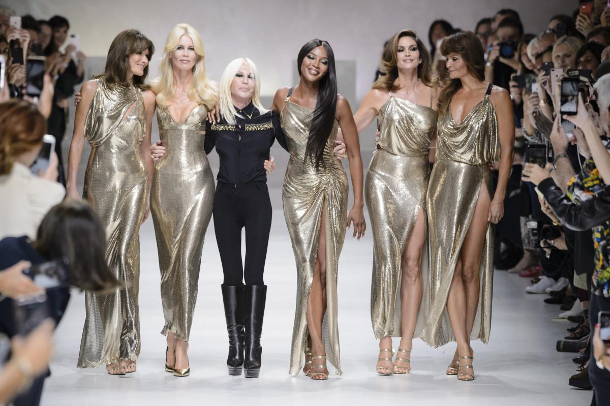 siêu mẫu thời trang những năm 90 Cindy Crawford
