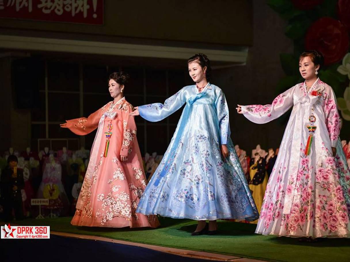 buổi trình diễn thời trang của phụ nữ Triều Tiên 9