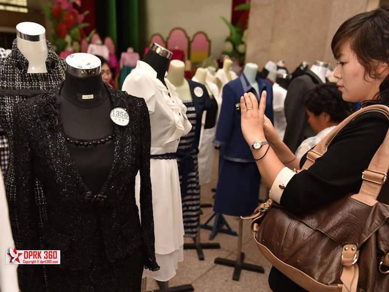 buổi trình diễn thời trang của phụ nữ Triều Tiên 5