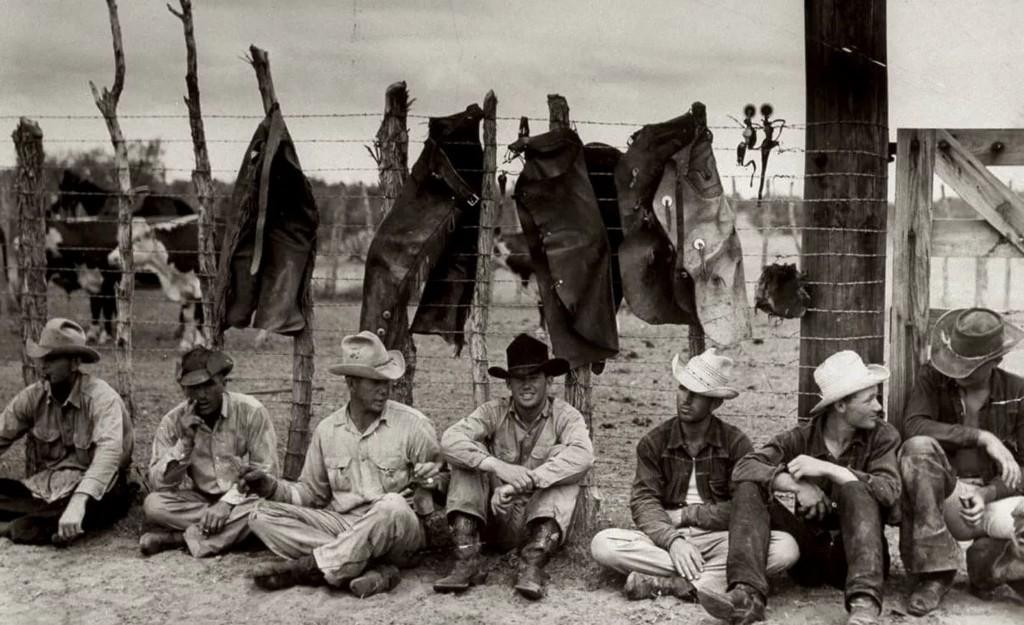 công nhân lao động mặc quần jeans