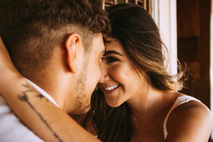 04 phụ nữ khi yêu nên lắng nghe lý trí hay thuận theo con tim
