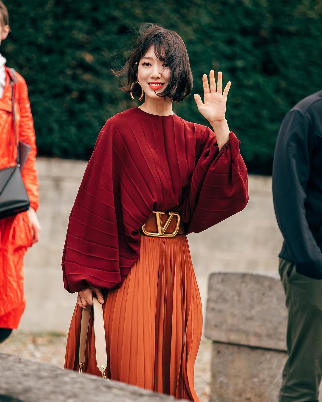 phong cách thời trang tại tuần lễ thời trang Park shin hye 6