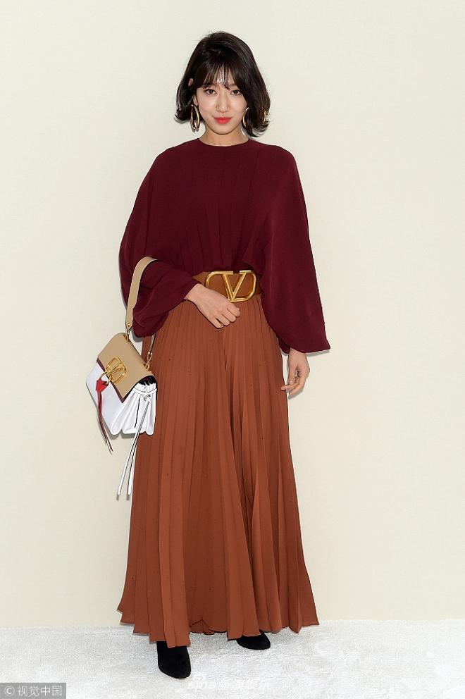 phong cách thời trang tại tuần lễ thời trang Park shin hye 7