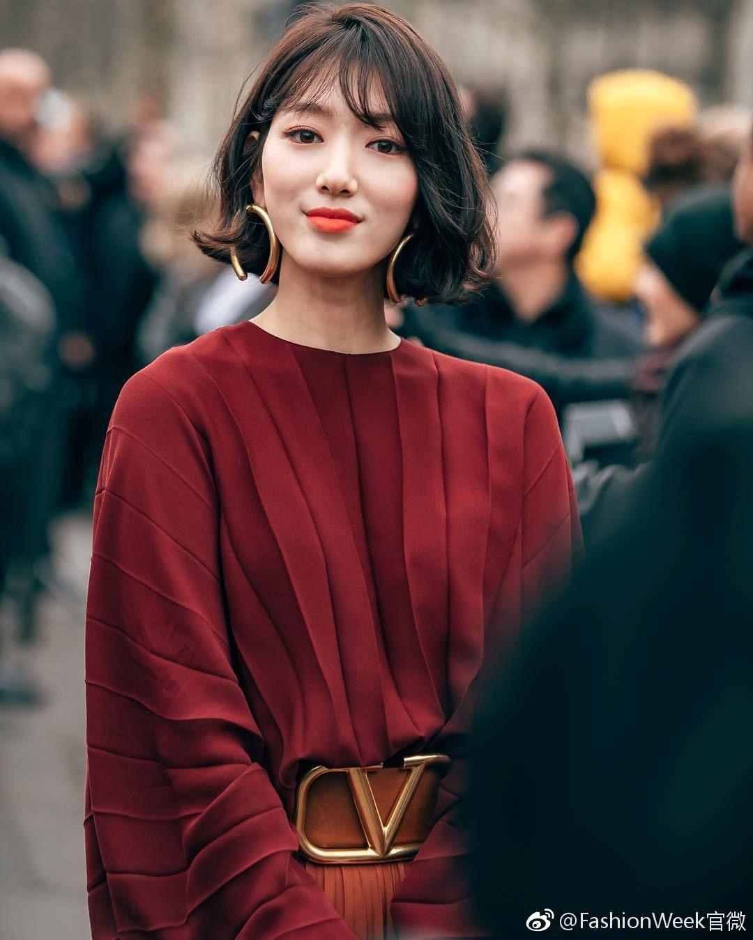 phong cách thời trang tại tuần lễ thời trang Park shin hye 8