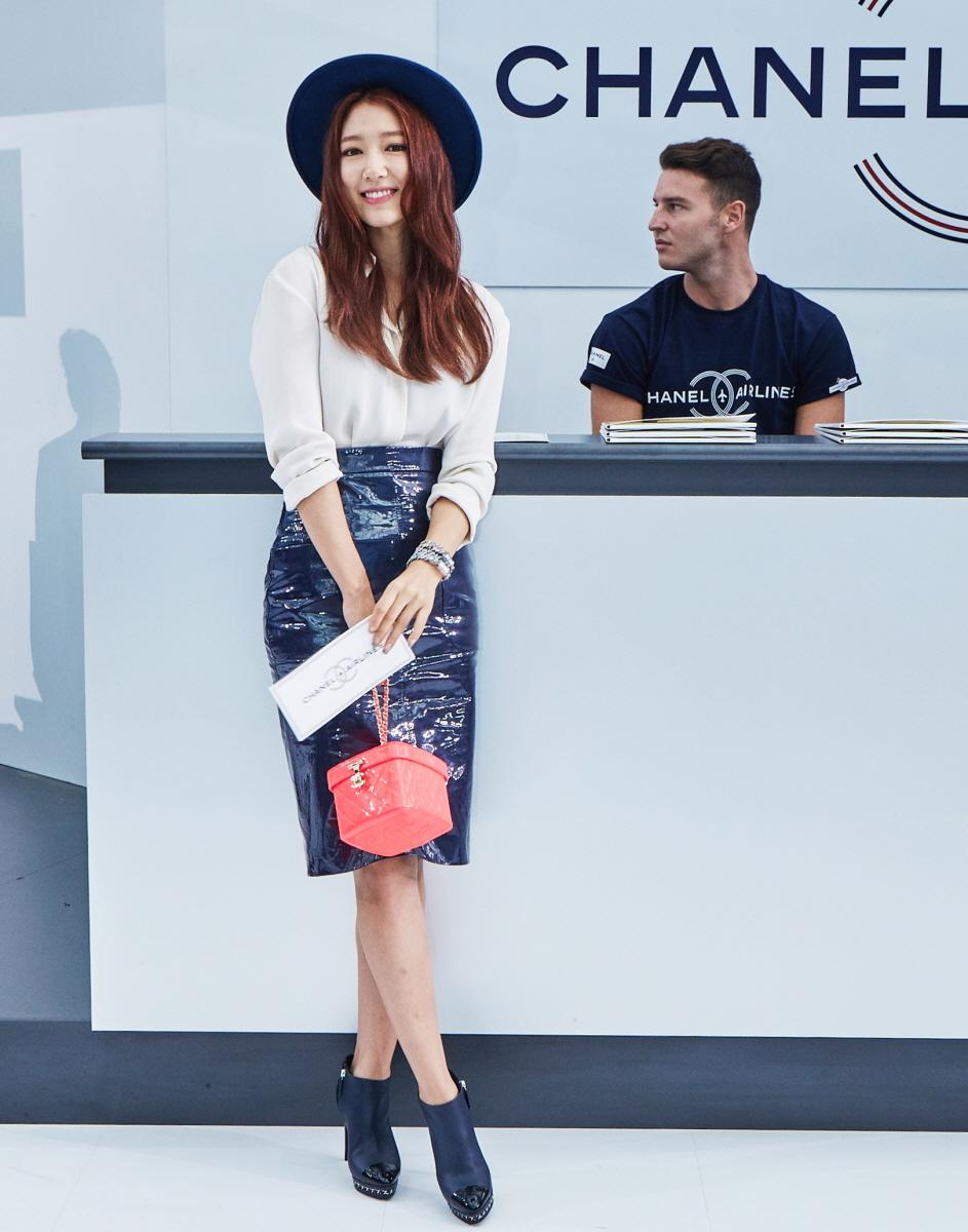 phong cách thời trang tại tuần lễ thời trang park shin hye 9