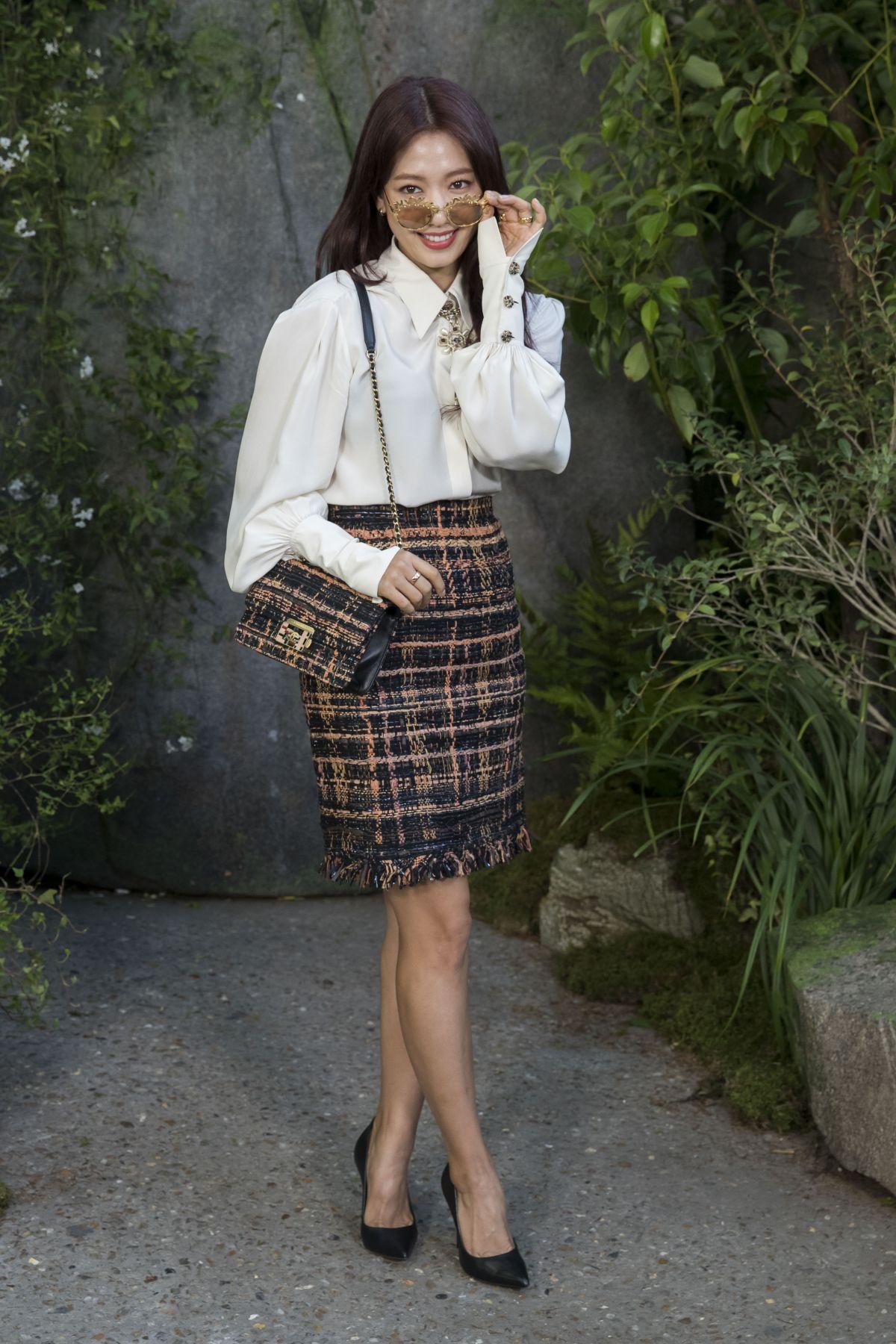 phong cách thời trang tại tuần lễ thời trang Park shin hye 2