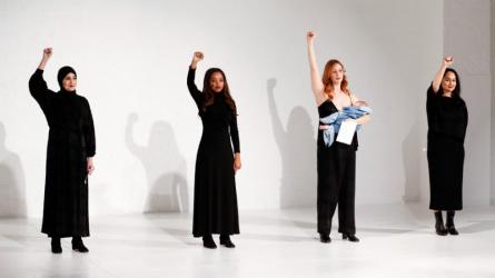 Không chỉ thiết kế thời trang, 12 NTK này còn hoạt động tích cực vì quyền phụ nữ