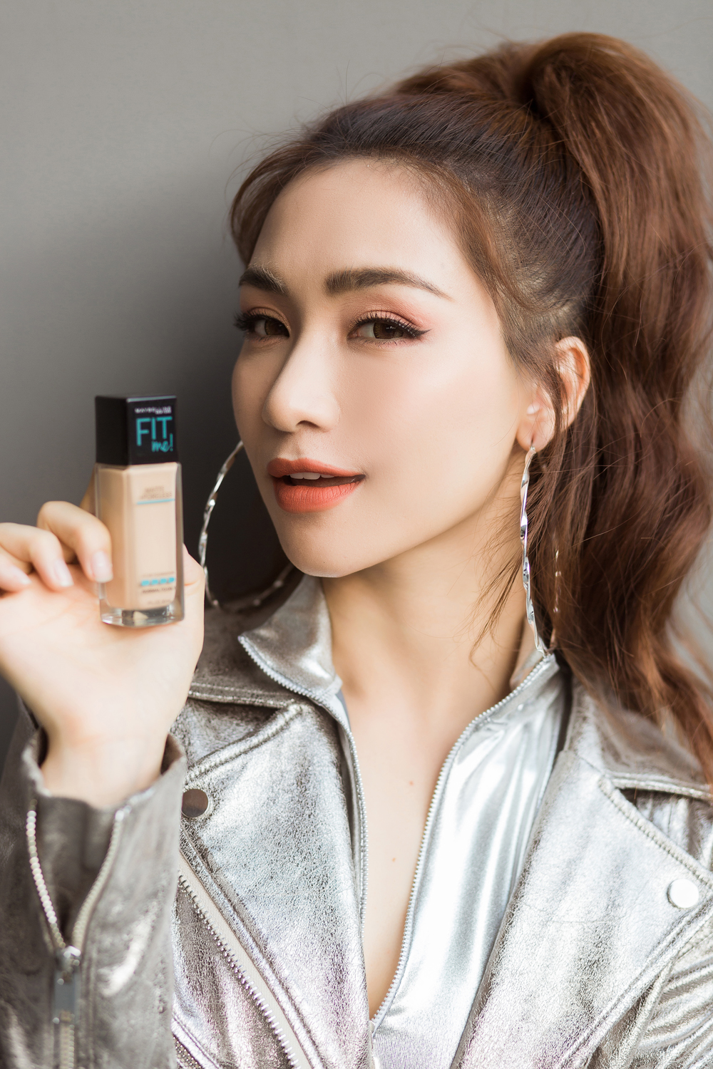 Sản phẩm Maybelline New York Fit Me Matte Poreless Foundation.