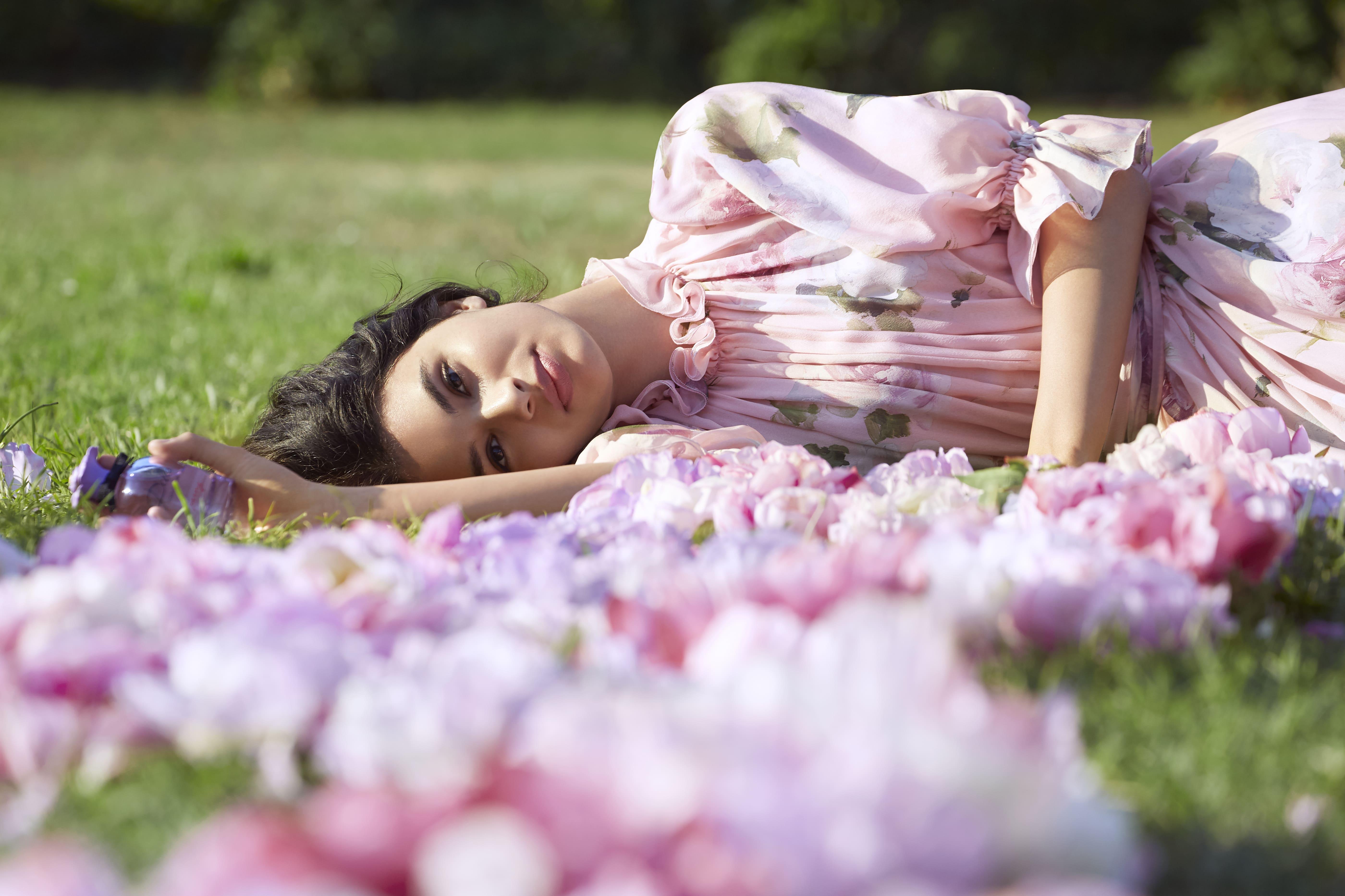 Dolce & Gabbana giới thiệu dòng nước hoa Dolce Peony 5