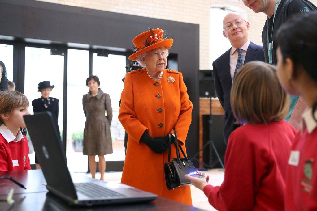 thời trang Nữ hoàng Elizabeth II