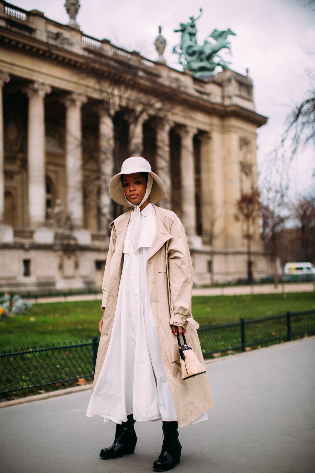 street style tuần lễ thời trang paris màu be 2