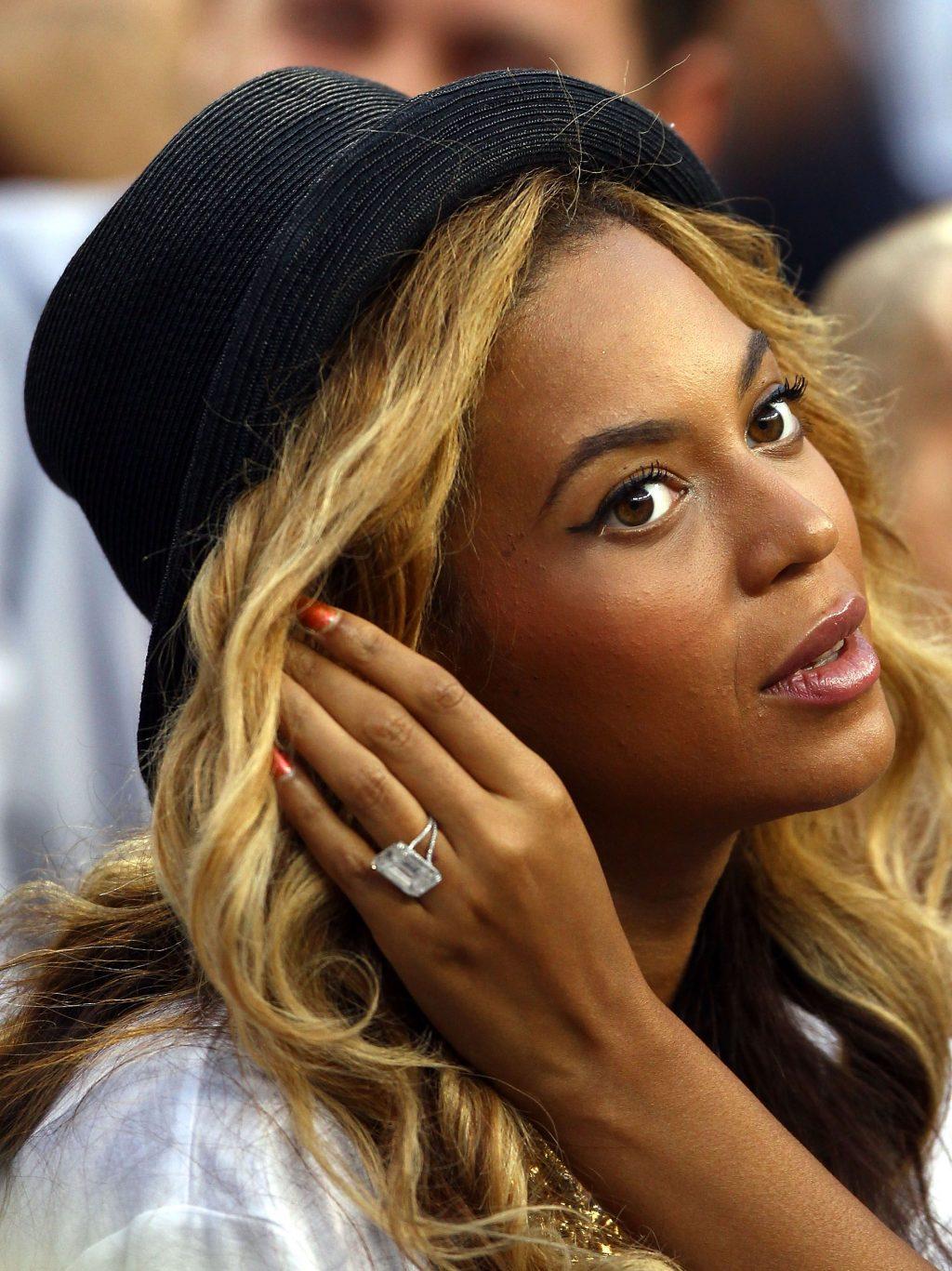 nhẫn đính hôn triệu đô của nữ ca sĩ Jennifer Lopez 6