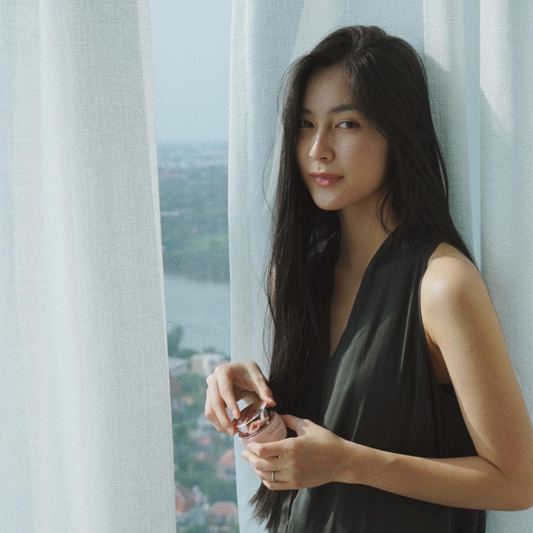 Nàng thơ Song Hye Kyo và loạt sao Việt chia sẻ bí quyết giữ gìn nhan sắc đến bất chấp thời gian với bộ dưỡng da Sulwhasoo 8