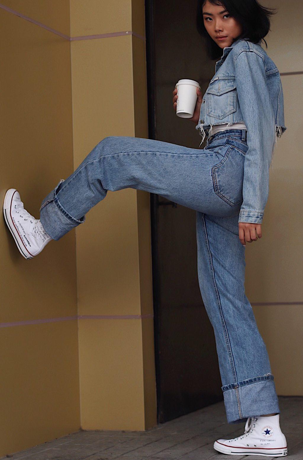 """Mượn giày Converse để trả lời cho câu hỏi """"Như thế nào là con gái?"""" 3"""