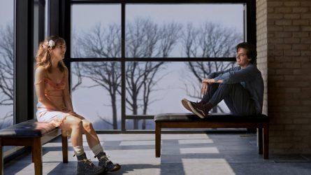 Phim Năm Bước Để Yêu: Khi một cái chạm nhau cũng là điều xa xỉ