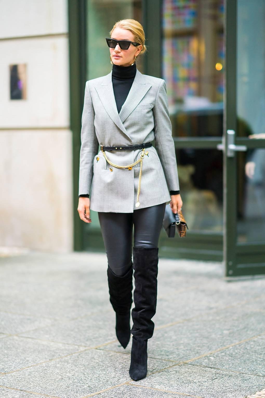 Bắt kịp xu hướng thời trang túi xách siêu nhỏ cùng dàn fashionista thế giới 14
