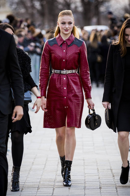 Phong cách thời trang Sophie Turner 22