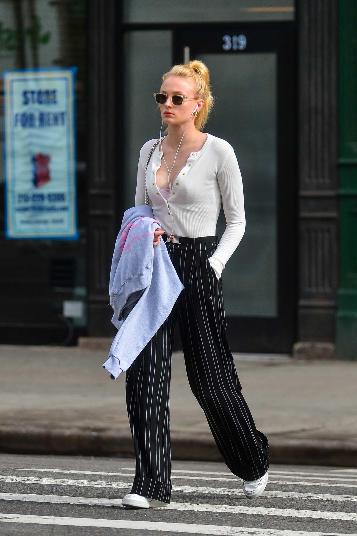 Phong cách thời trang Sophie Turner