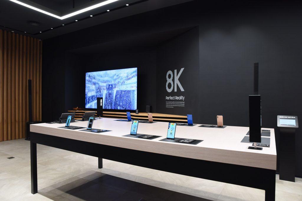Samsung Showcase 10