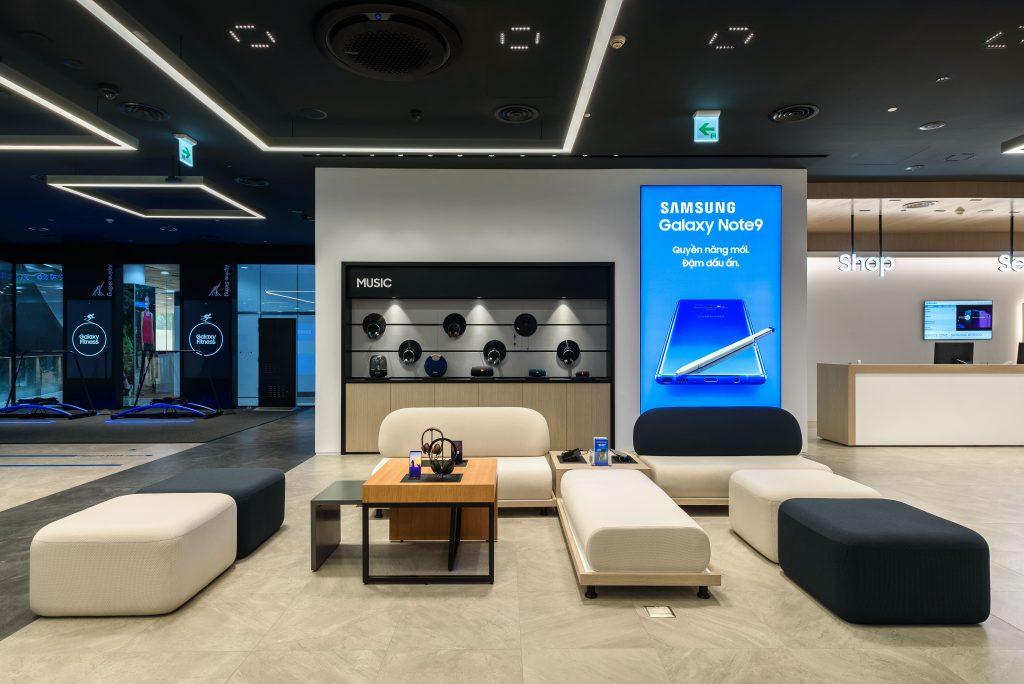 Samsung Showcase