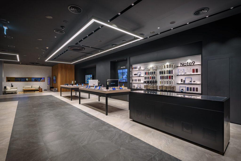 Samsung Showcase 4