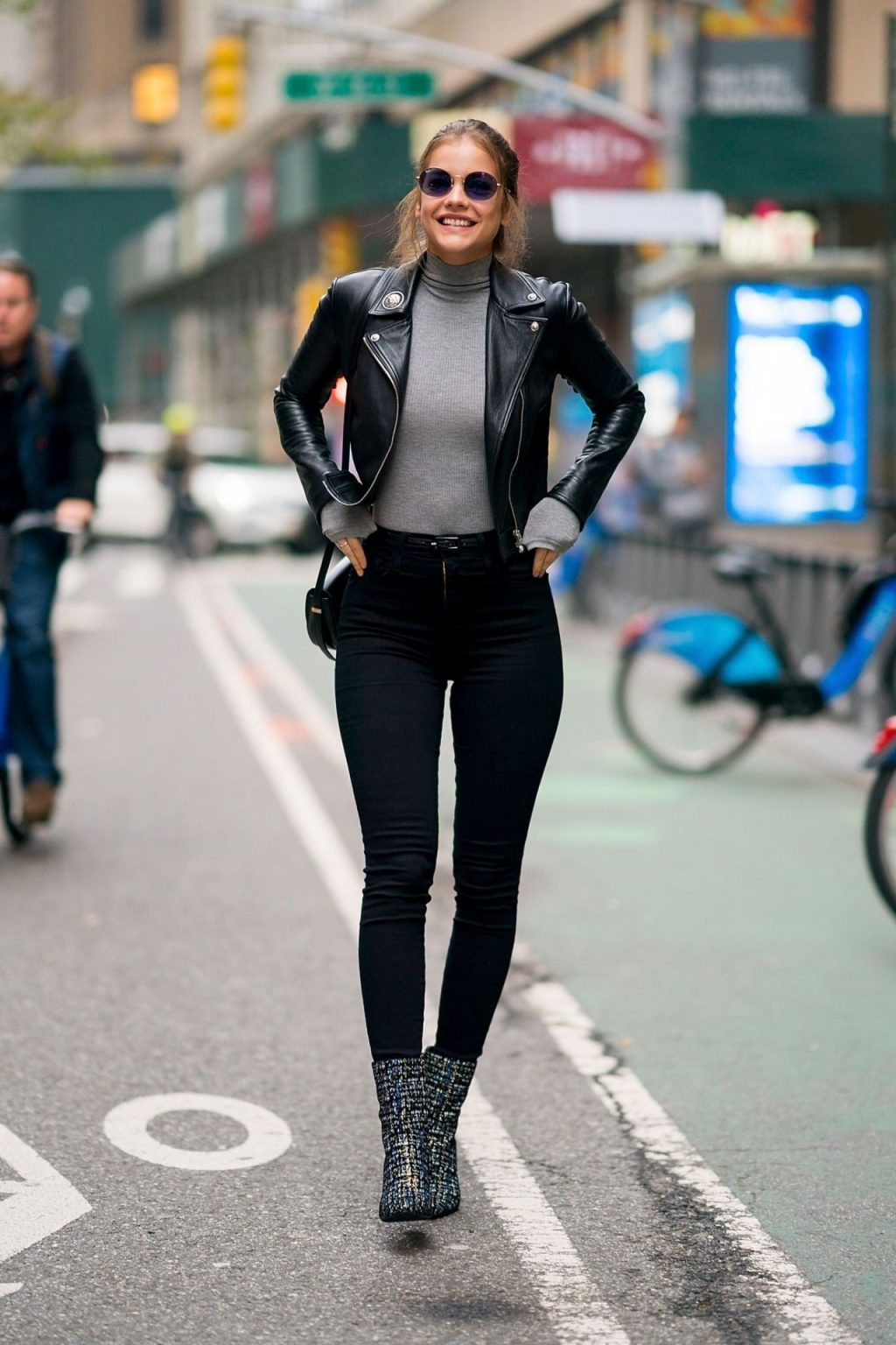 phong cách thời trang đầy lôi cuốn của Barbara Palvin